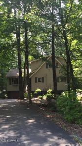 1787 Roamingwood Ct, Lake Ariel, PA 18436