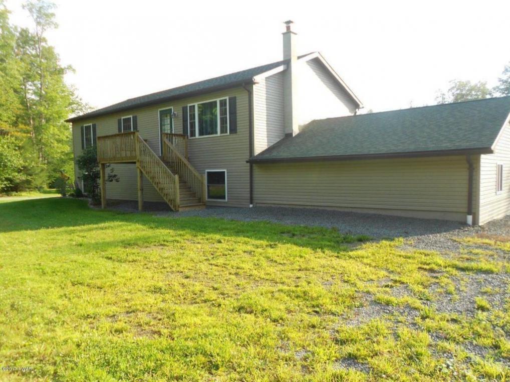 186 Sawmill Rd, Greentown, PA 18426