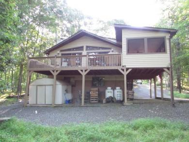 330 Surrey Dr, Lords Valley, PA 18428