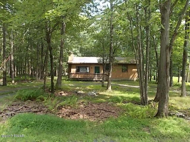 4156 E Pine Ridge Dr, Bushkill, PA 18324
