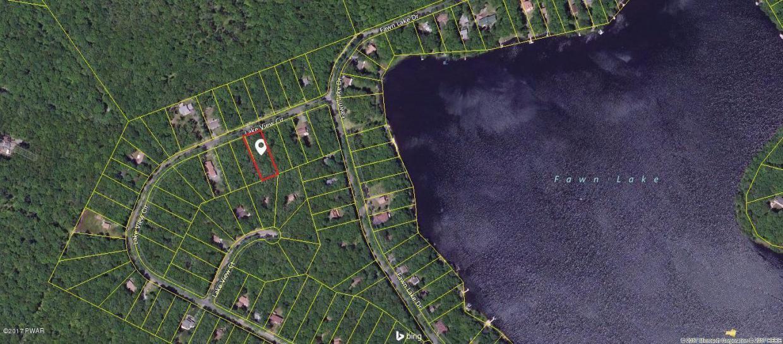 112 Lakeview Cir, Hawley, PA 18428