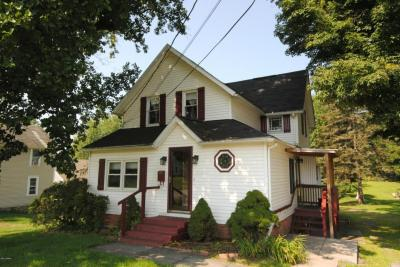 Photo of 328 Cliff St, Honesdale, PA 18431