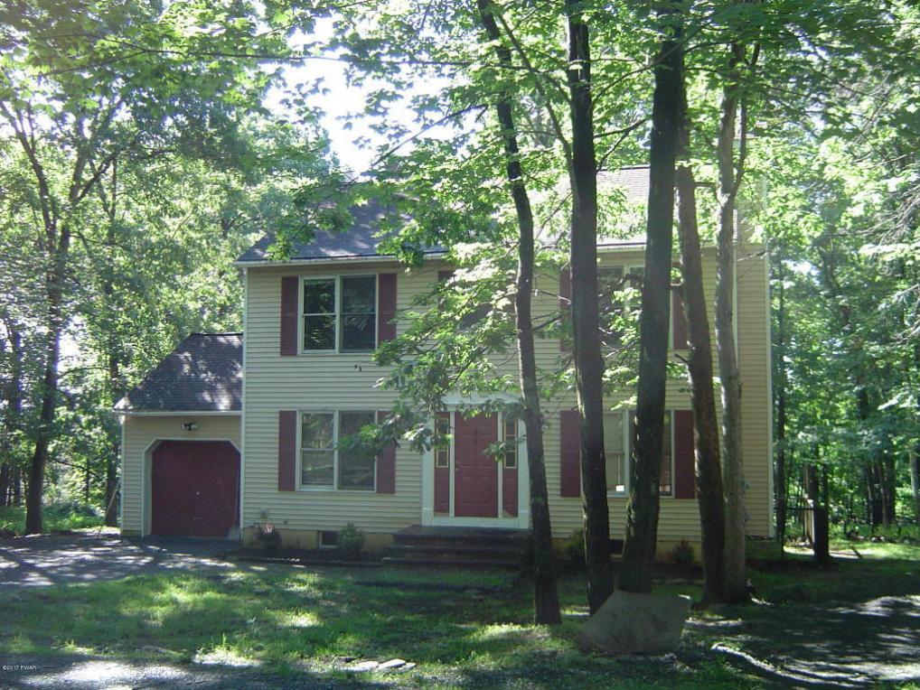 2143 Dogwood Cir, Bushkill, PA 18324