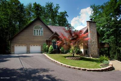 Photo of 147 N. Evergreen Dr, Greentown, PA 18426