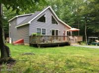 1008 Arrowhead Ct, Lake Ariel, PA 18436