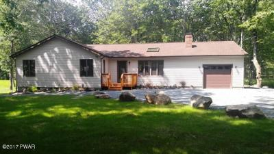 Photo of 140 Pommel Dr, Lords Valley, PA 18428