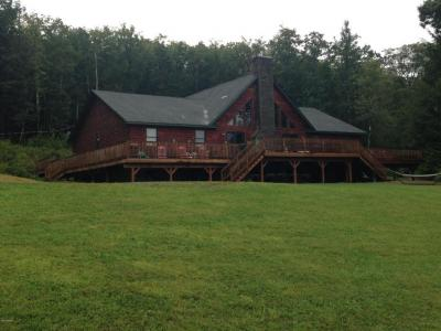 Photo of 122 Skycrest Rd, Hawley, PA 18428