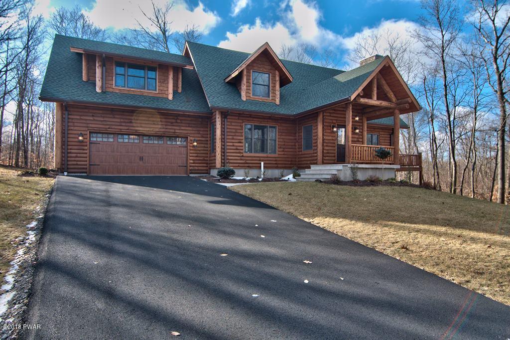 110 Highland Road, Roaring Brook Township, PA 18444