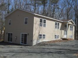 100 Rainbow Dr, Lackawaxen, PA 18435