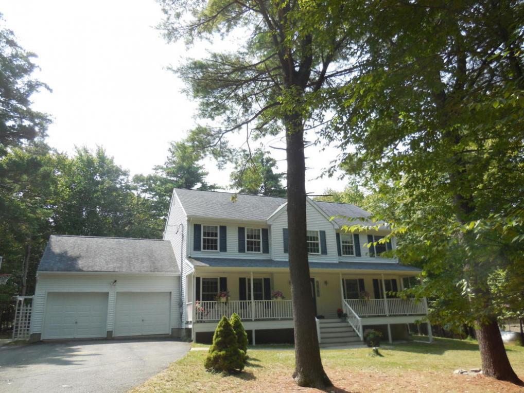 124 Mountain Laurel Ln, Milford, PA 18337