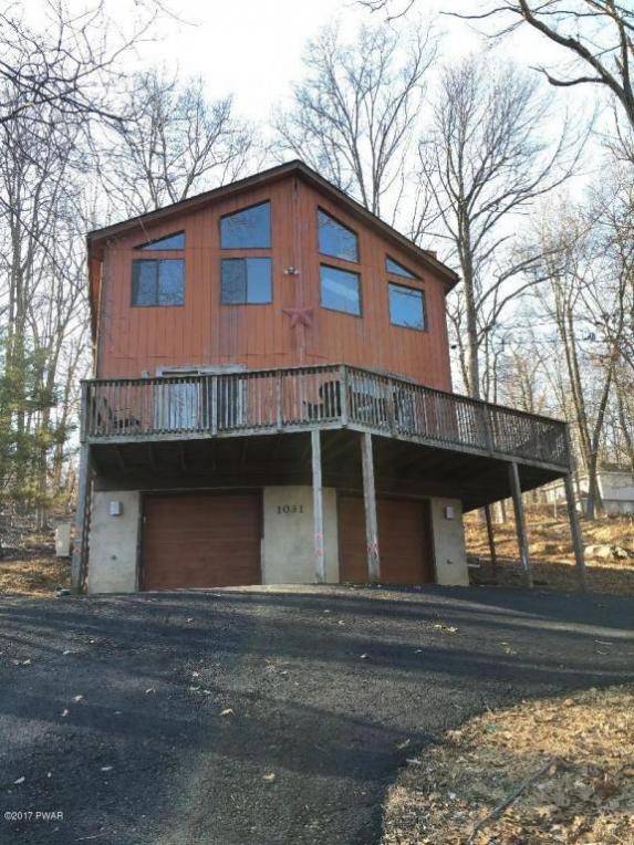 1031 Maple Lake Dr, Bushkill, PA 18324