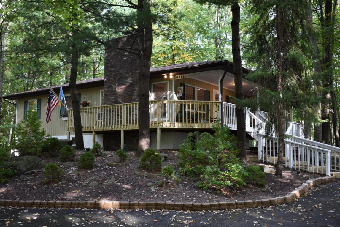 129 Fairway Dr, Lords Valley, PA 18428