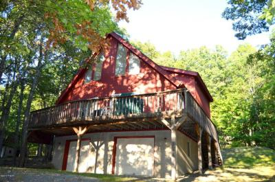 Photo of 203 Eastwood Dr, Greentown, PA 18426