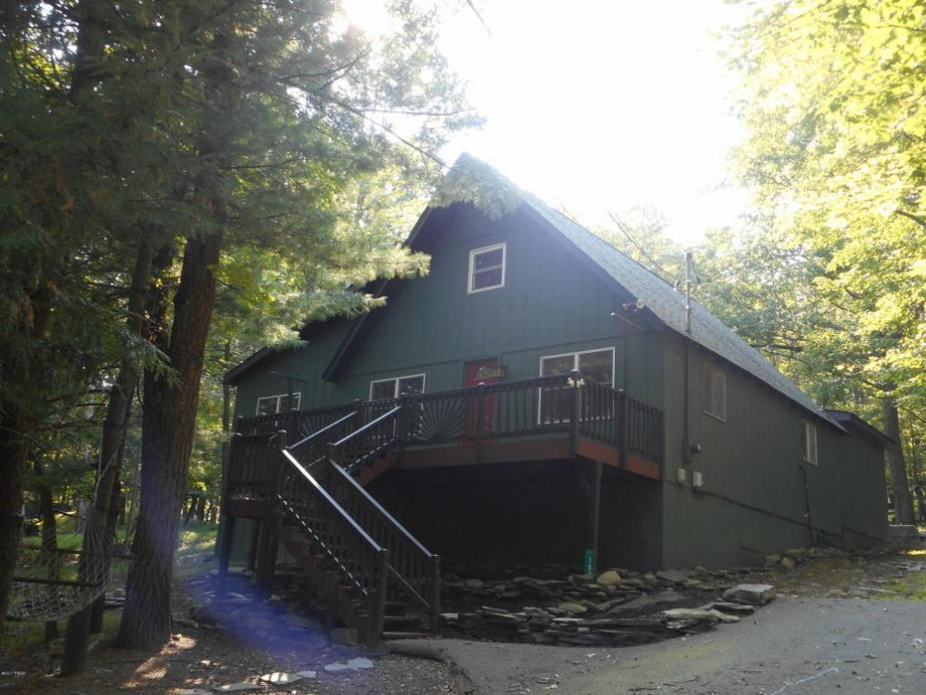 109 Fall Ct, Dingmans Ferry, PA 18328