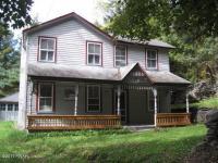 7 D Ln, Hawley, PA 18428