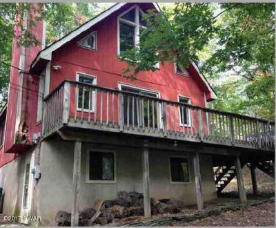 Photo of 345 Oak Hill Rd, Lackawaxen, PA 18435