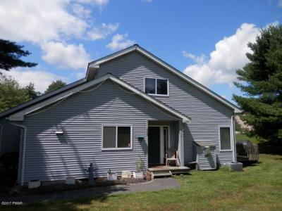 Photo of 110 Glen Combe Cir, Milford, PA 18337