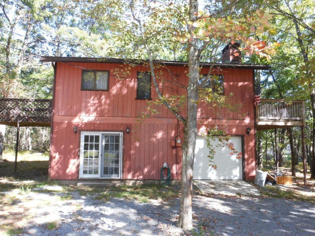 101 Summer Hill Rd, Lords Valley, PA 18428
