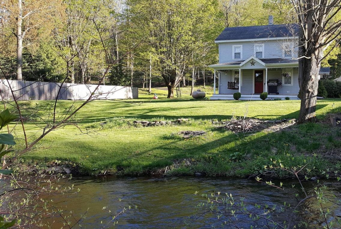 7 Davis Rd, Waymart, PA 18472