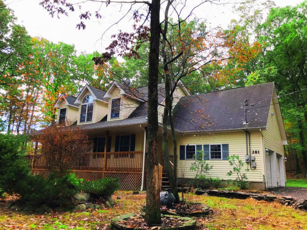 281 Water Forest Dr, Milford, PA 18337