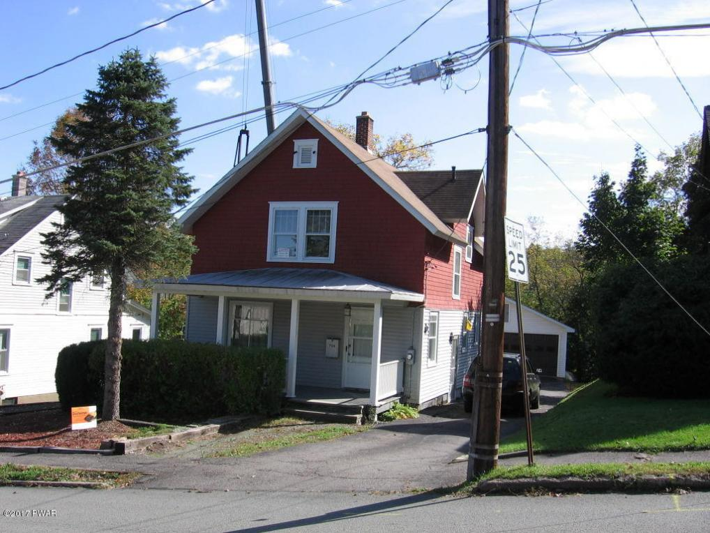 706 High St, Honesdale, PA 18431