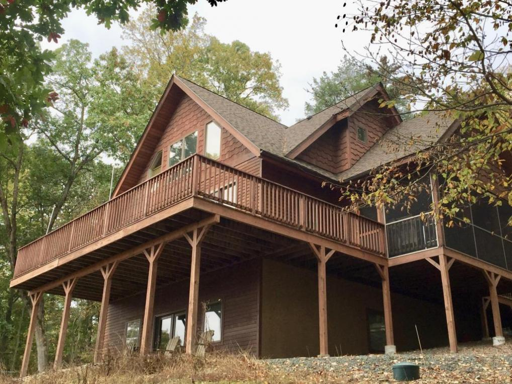 3 Vista Ct, Lakeville, PA 18438