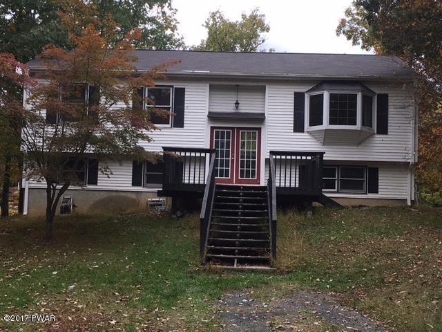 416 Wild Acres Dr, Dingmans Ferry, PA 18328