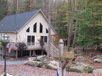 Photo of 2990 Wedge Dr, Lake Ariel, PA 18436