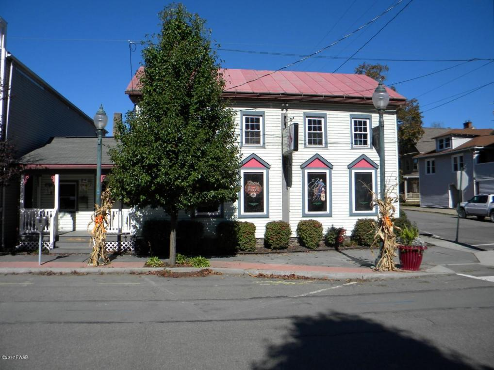 525 Church St, Hawley, PA 18428