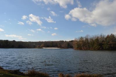 Photo of 16 Beaver Lake Dr, Lake Ariel, PA 18436