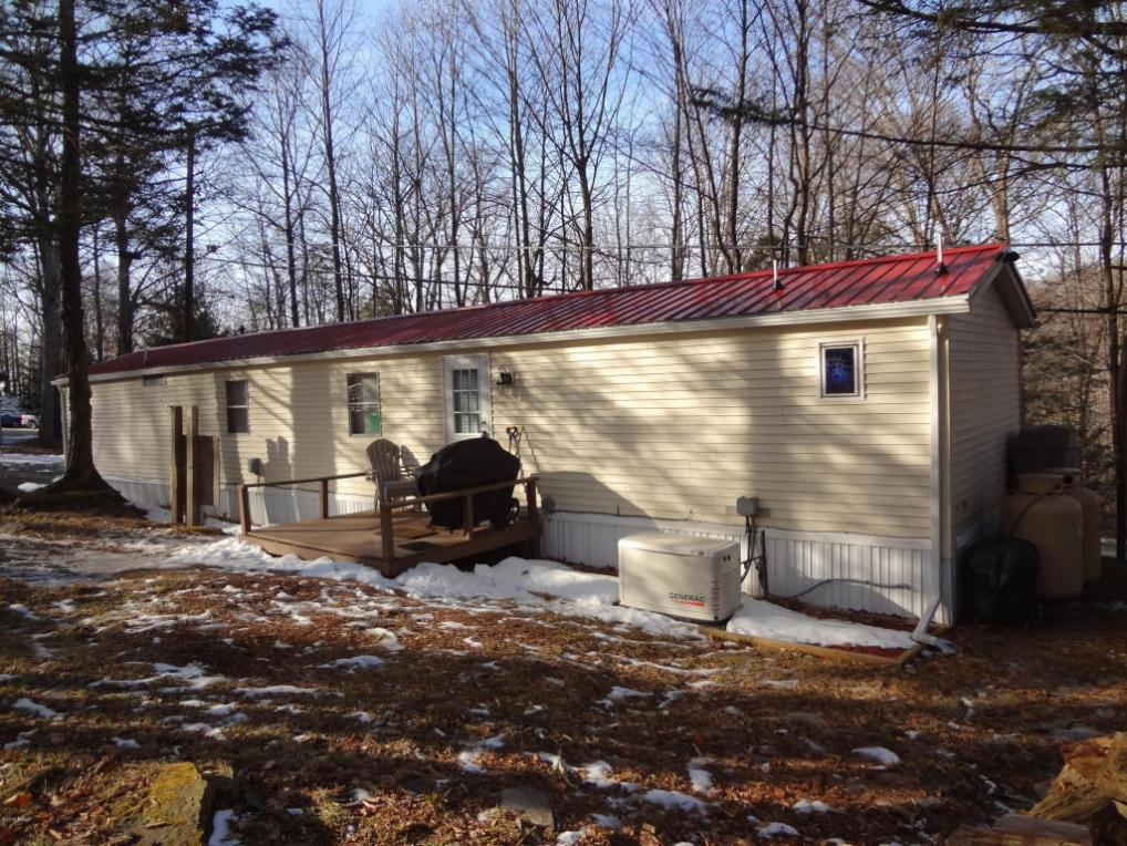 155 Hill St, Greentown, PA 18426