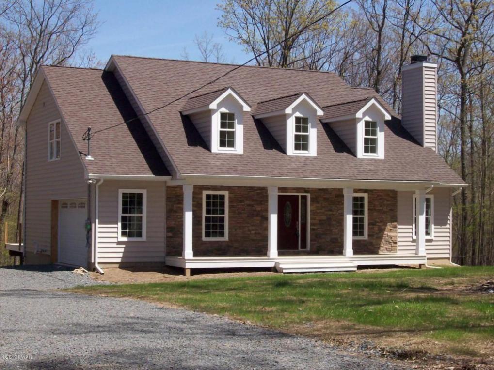 142 Pitch Pine Dr, Milford, PA 18337