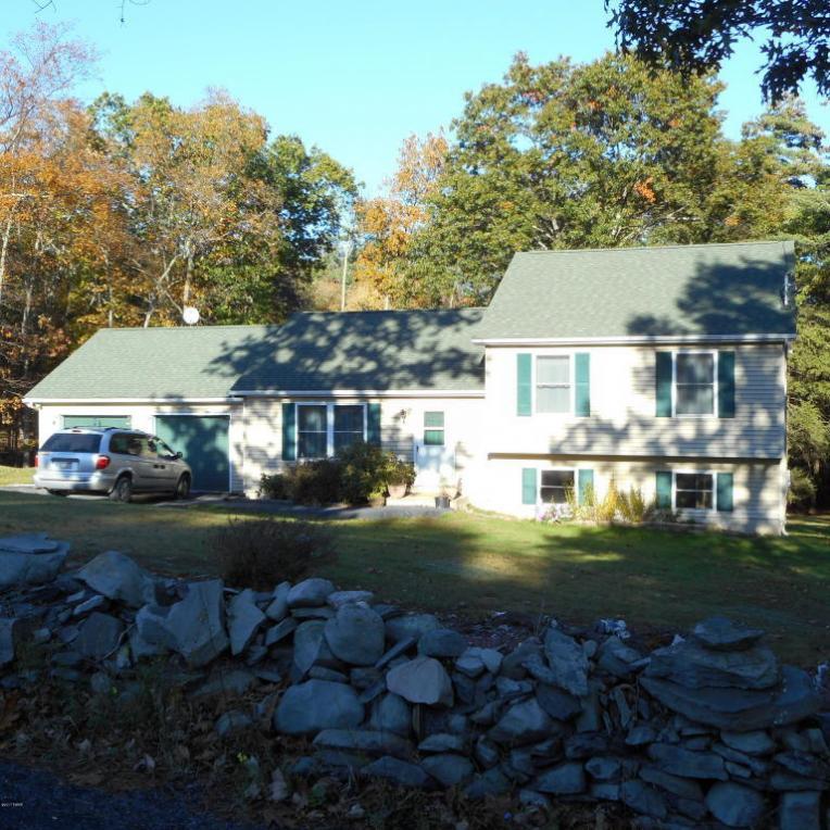 297 Cummins Hill Rd, Milford, PA 18337