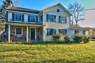 Photo of 1256 Advent Rd, Lake Ariel, PA 18436