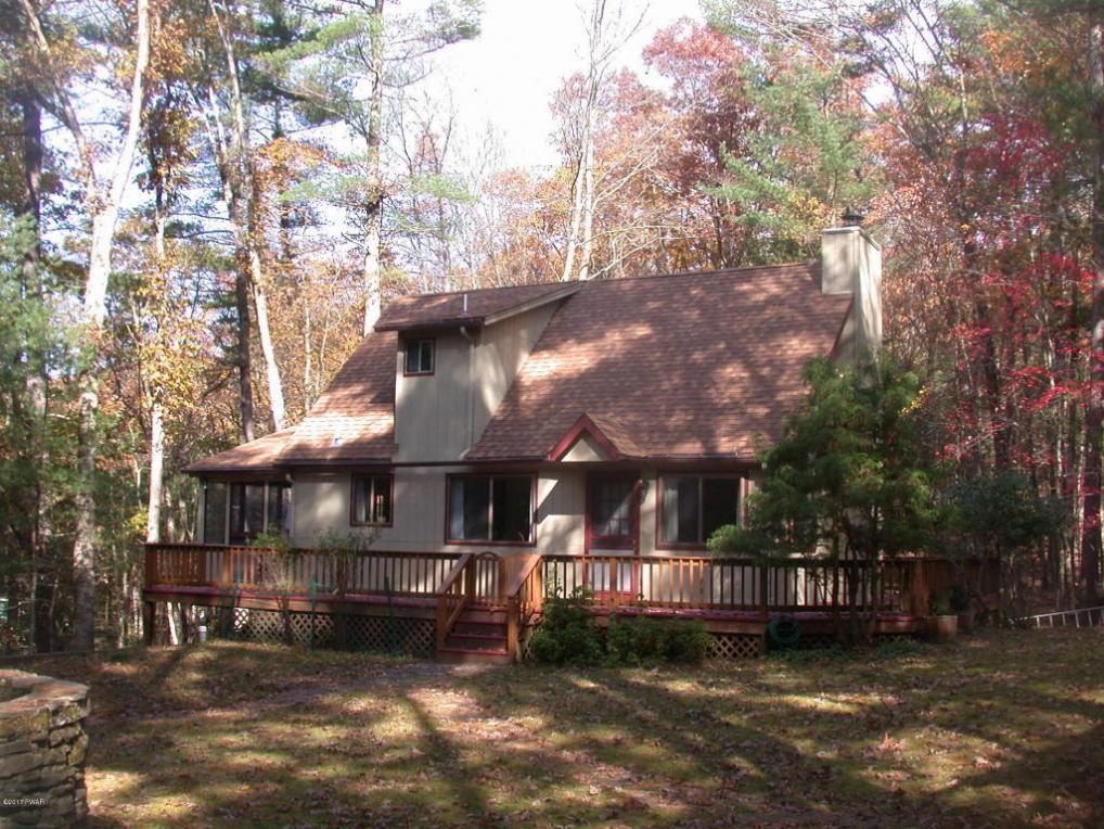 19 Cedar Ridge Rd, Hawley, PA 18428