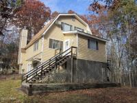 163 Candlewick Way, Lackawaxen, PA 18435