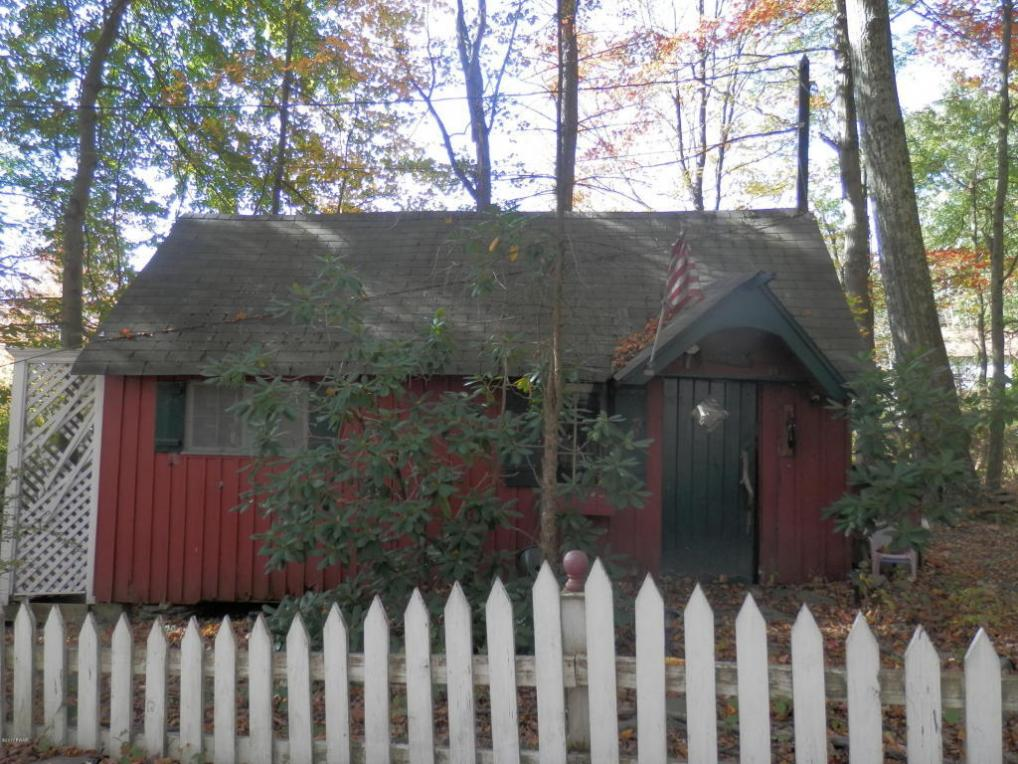 100 Rosewood Rd, Dingmans Ferry, PA 18328