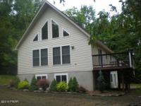 1090 Forest Ct, Lake Ariel, PA 18436
