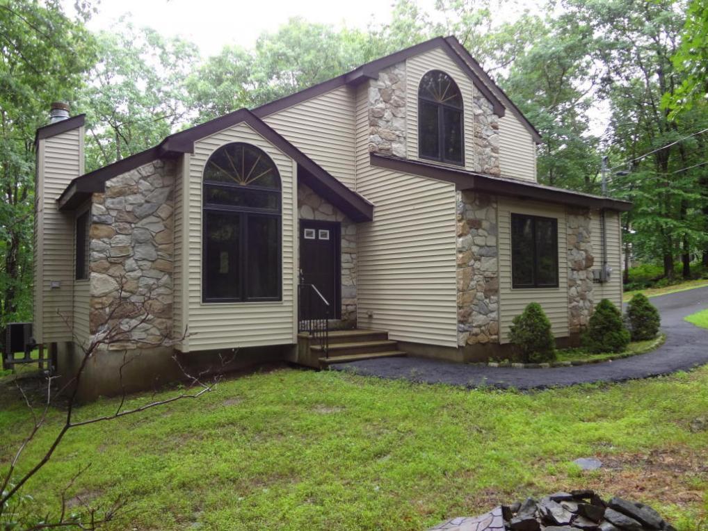 140 Sandy Pine Trl, Milford, PA 18337