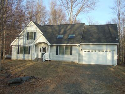 Photo of 1008 Ellys Ct, Lake Ariel, PA 18436