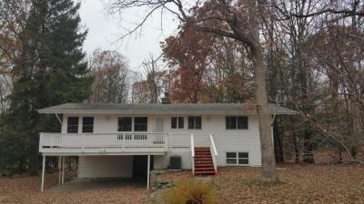 Photo of 106 Burning Tree Ln, Lords Valley, PA 18428