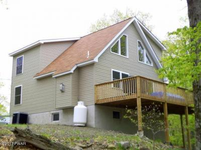 Photo of 1019 Ski Bluff Ter, Lake Ariel, PA 18436