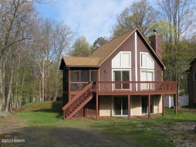 Photo of 132 Heather Hill Road, Dingmans Ferry, PA 18328