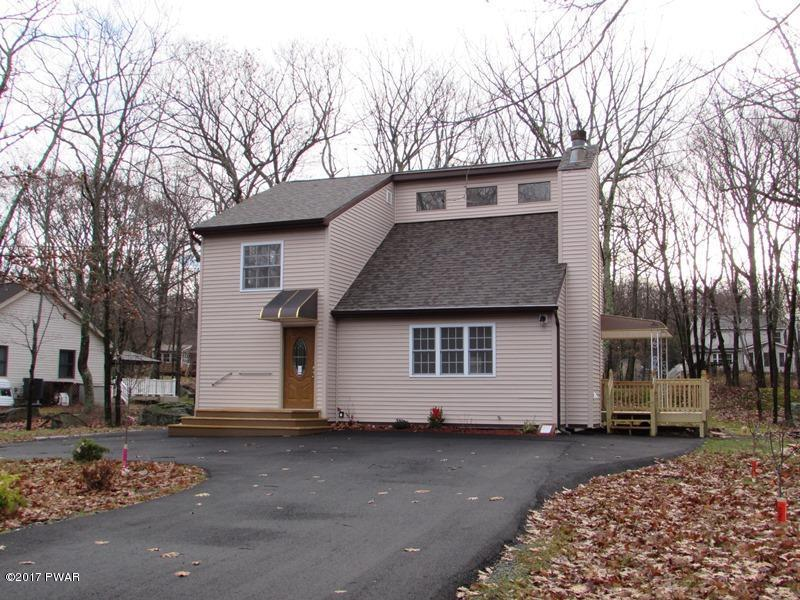 805 W Spur Ct, Lords Valley, PA 18428