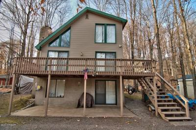 Photo of 1047 Wildwood Ter, Lake Ariel, PA 18436