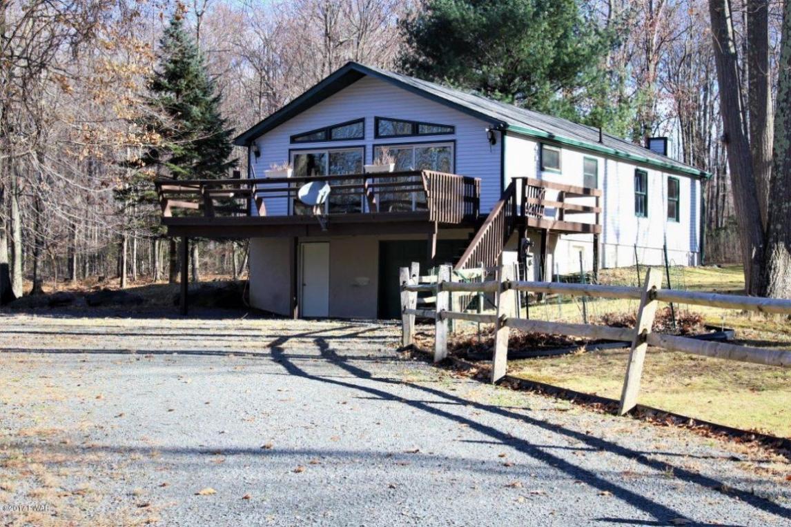 130 Estates Rd, Greentown, PA 18426