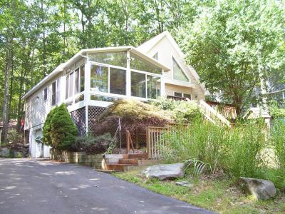 Photo of 1067 Sunrise Ter, Lake Ariel, PA 18436