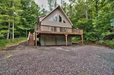 Photo of 1359 Woodhill Lane, Lake Ariel, PA 18436