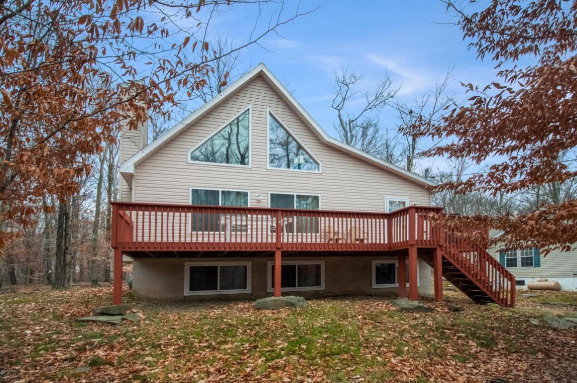 1067 Deer Valley Rd, Lake Ariel, PA 18436