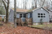 269 Maple Ln, Greentown, PA 18426